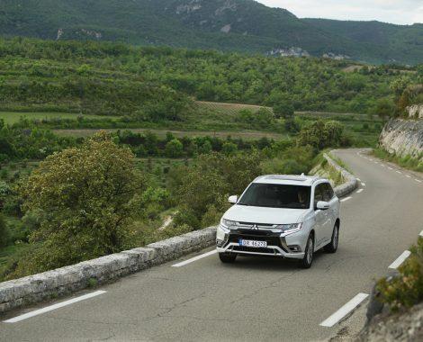 Mitsubishi Outlander PHEV i fjellene